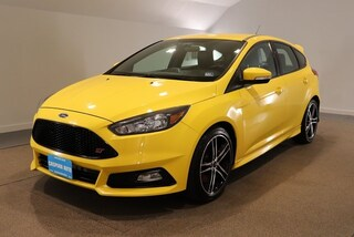 Used vehicles 2017 Ford Focus ST Base Hatchback for sale near you in Stafford, VA
