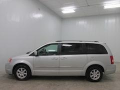 2010 Chrysler Town & Country 4dr Wgn Touring Mini-van, Passenger