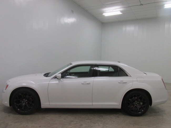 2012 Chrysler 300 4dr Sdn V6 RWD Car
