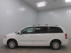 2009 Chrysler Town & Country Touring Mini-van, Passenger