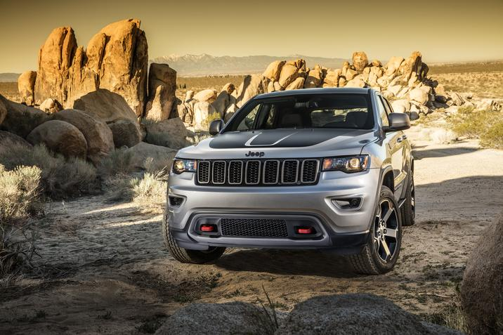 2017 Jeep Grand Cherokee Gray Front Exterior