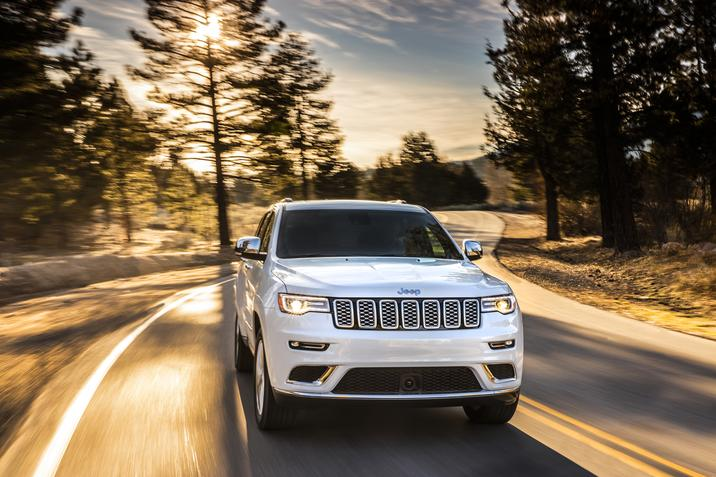 2018 Jeep Grand Cherokee Summit White Front Exterior