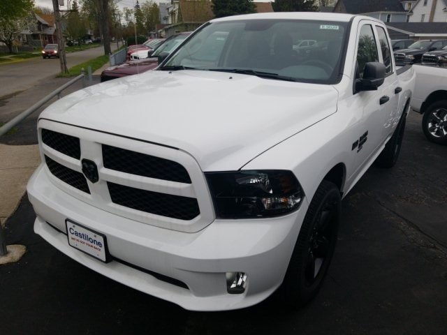 2019 Ram 1500 Classic EXPRESS QUAD CAB 4X4 6'4 BOX Quad Cab for sale in Batavia