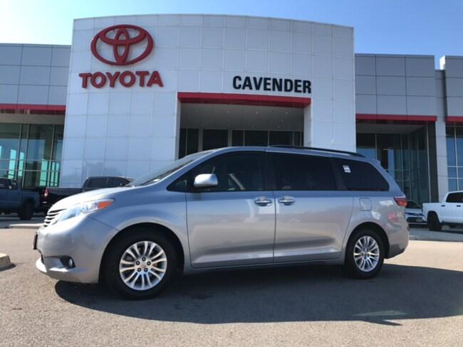 Used 2017 Toyota Sienna XLE Premium Minivan San Antonio