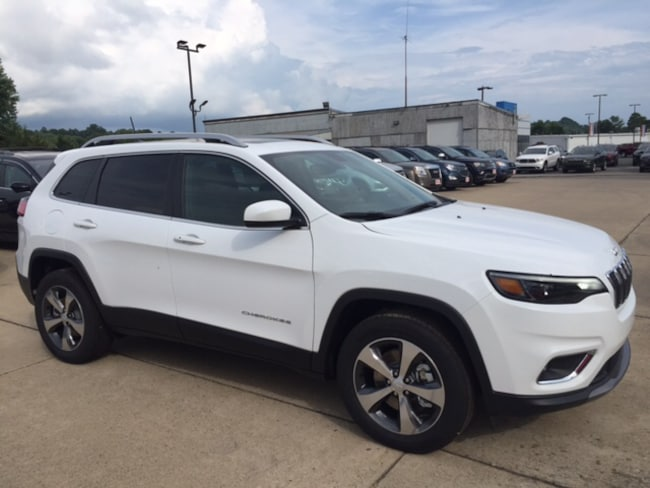 New 2019 Jeep Cherokee Limited 4x4 SUV for sale or lease in Marietta, OH