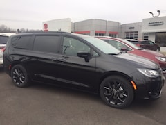 New 2019 Chrysler Pacifica Touring L Plus Van Passenger Van for sale or lease in Marietta, OH