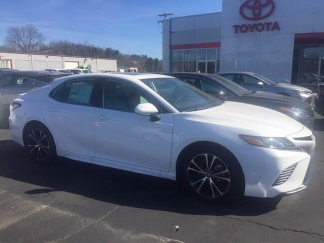 New 2019 Toyota Camry SE Sedan in Marietta, OH