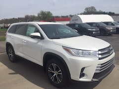 new 2019 Toyota Highlander LE V6 SUV for sale in Marietta OH