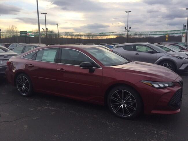 New 2019 Toyota Avalon XSE Sedan in Marietta, OH