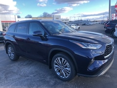 new 2021 Toyota Highlander Hybrid Platinum SUV for sale in Marietta OH