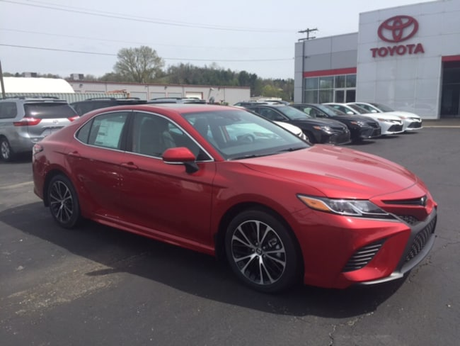 New 2019 Toyota Camry SE Sedan in Marietta, OH