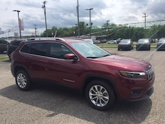 New 2019 Jeep Cherokee Latitude FWD SUV for sale or lease in Marietta, OH