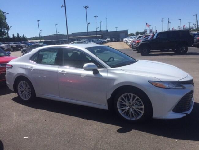 New 2019 Toyota Camry XLE Sedan in Marietta, OH