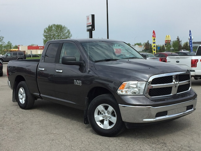 2017 Ram 1500 SLT Q/C 4x4 - Only 9000 KMs! Like NEW! Truck Quad Cab