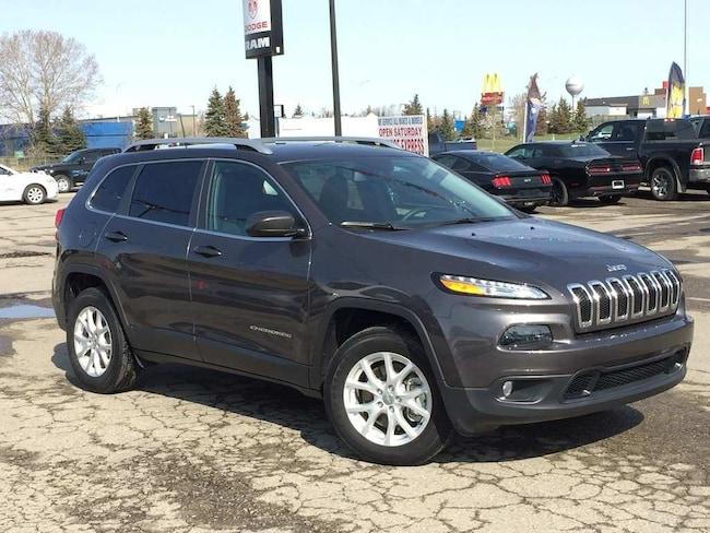 2018 Jeep Cherokee North 4x4 - Heated Seats & Wheel! 7500 KMS! SUV