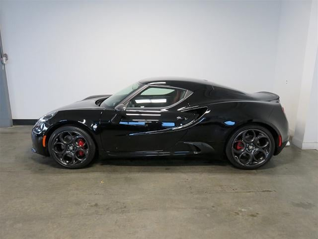 new 2016 alfa romeo 4c coupe for sale victoria bc. Black Bedroom Furniture Sets. Home Design Ideas