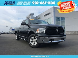 2016 Ram 1500 4X4 - LOW KMS, BIG Touchscreen, Bench Seats Truck Quad Cab