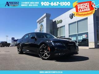2018 Chrysler 300 Leather, Pano Sunroof, NAV, Autostart, 20IN Rims Sedan