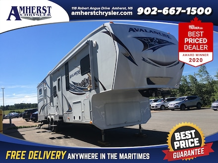2013 Keystone RV Avalanche 341TG Kitchen, 2 bedroom, bathroom RV
