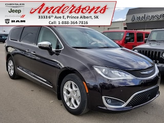 2017 Chrysler Pacifica Limited *Fully Loaded/Low KM* Van Passenger Van