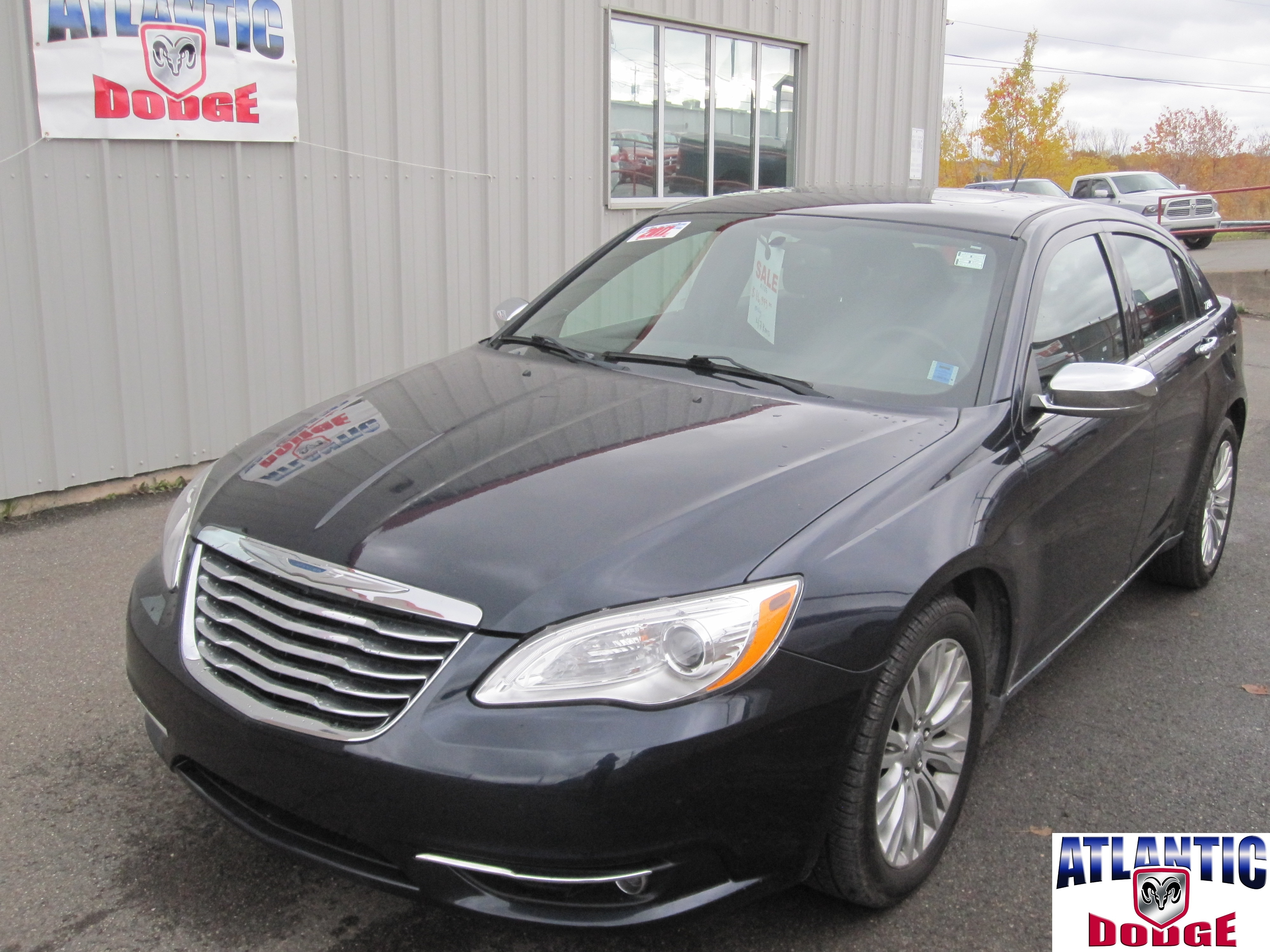 2011 Chrysler 200 Touring | HEATED SEATS | SUNROOF | Berline