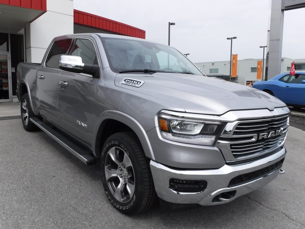 2019 Ram All-New 1500 LARAMIE V8 HEMI 4X4 PANORAMIQUE Camion cabine Crew
