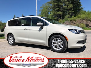 2019 Chrysler Pacifica Touring...NAV*HTD SEATS*8 SEATS! Van