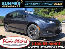 2020 Chrysler Pacifica Touring S...NAV*DVD*REMOTE START! Van