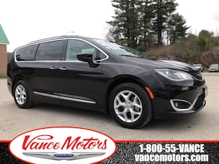 2018 Chrysler Pacifica Touring-L Plus...LEATHER*HTD SEATS*TOW! Minivan