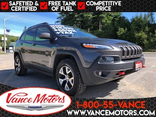 2015 Jeep Cherokee Trailhawk 4x4...LEATHER*TOW*HTD SEATS! SUV