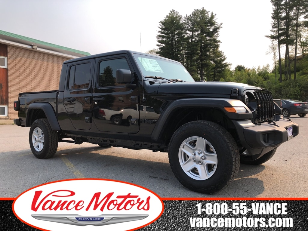 2020 Jeep Gladiator Sport S 4x4...BACKUP CAM*BEDLINER*TOW! Truck Crew Cab