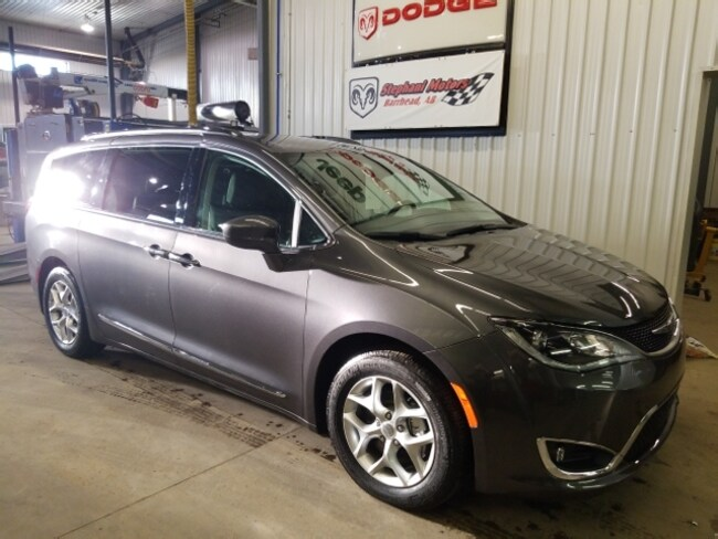 2018 Chrysler Pacifica Touring -L Plus 8 passenger with Leather Van