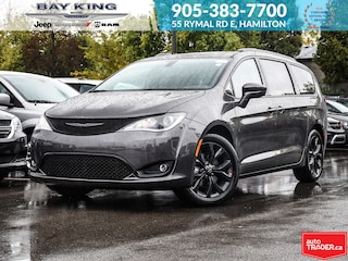 2019 Chrysler Pacifica Touring-L Plus, Sunroof, Power Sliding Doors, Wifi Van