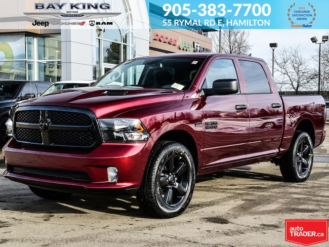 2019 Ram 1500 Classic Express Night Crew CAB 4X4, Bluetooth, Back UP CAM Truck Crew Cab