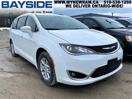 2020 Chrysler Pacifica Touring   FWD   BLUETOOTH Van