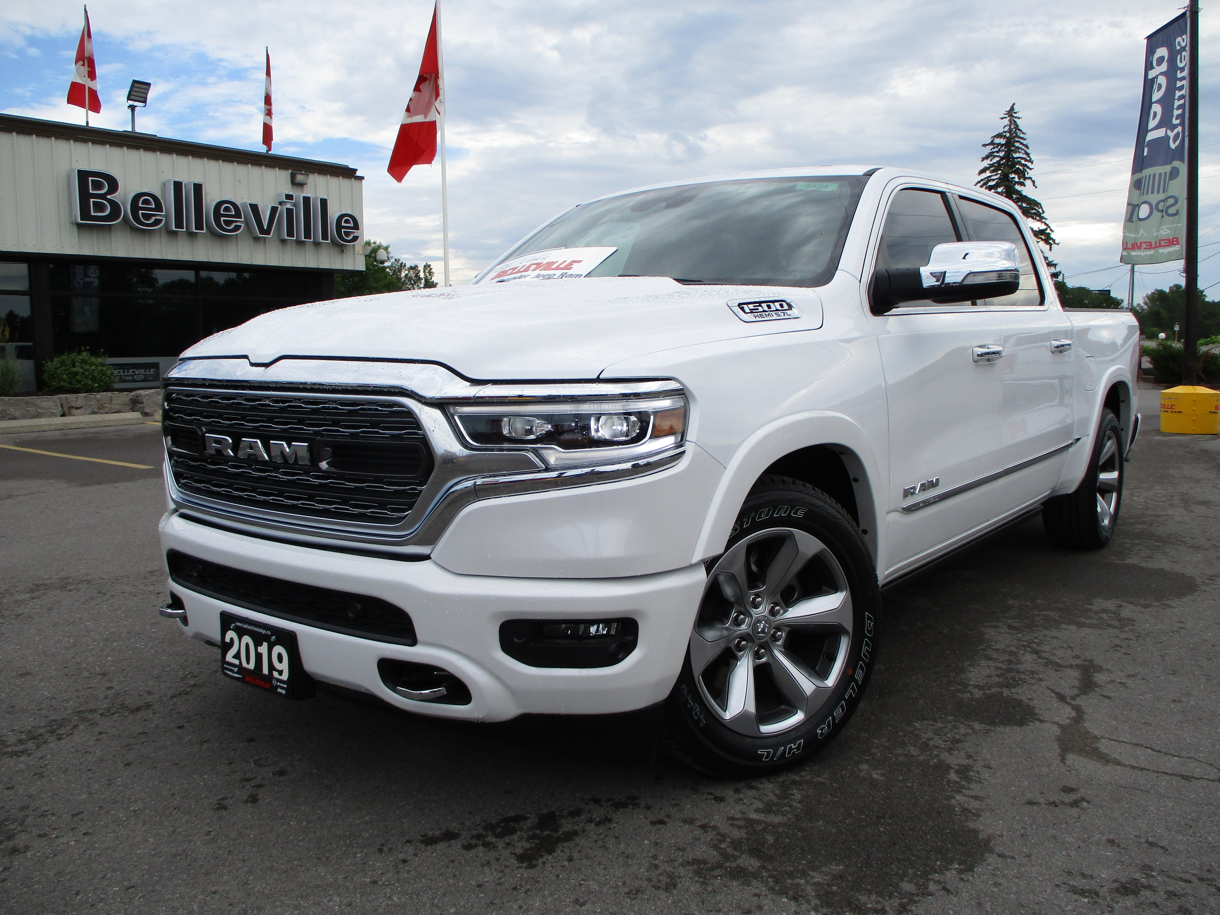 2019 Ram All-New 1500 Limited - 12' dispay - pano roof - cooled seats Truck Crew Cab