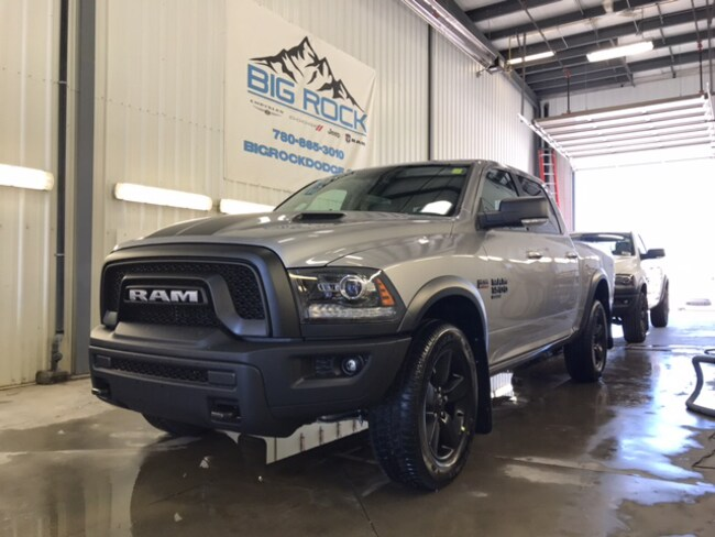New 2019 Ram 1500 Classic SLT Truck Crew Cab For Sale/Lease Honton, AB