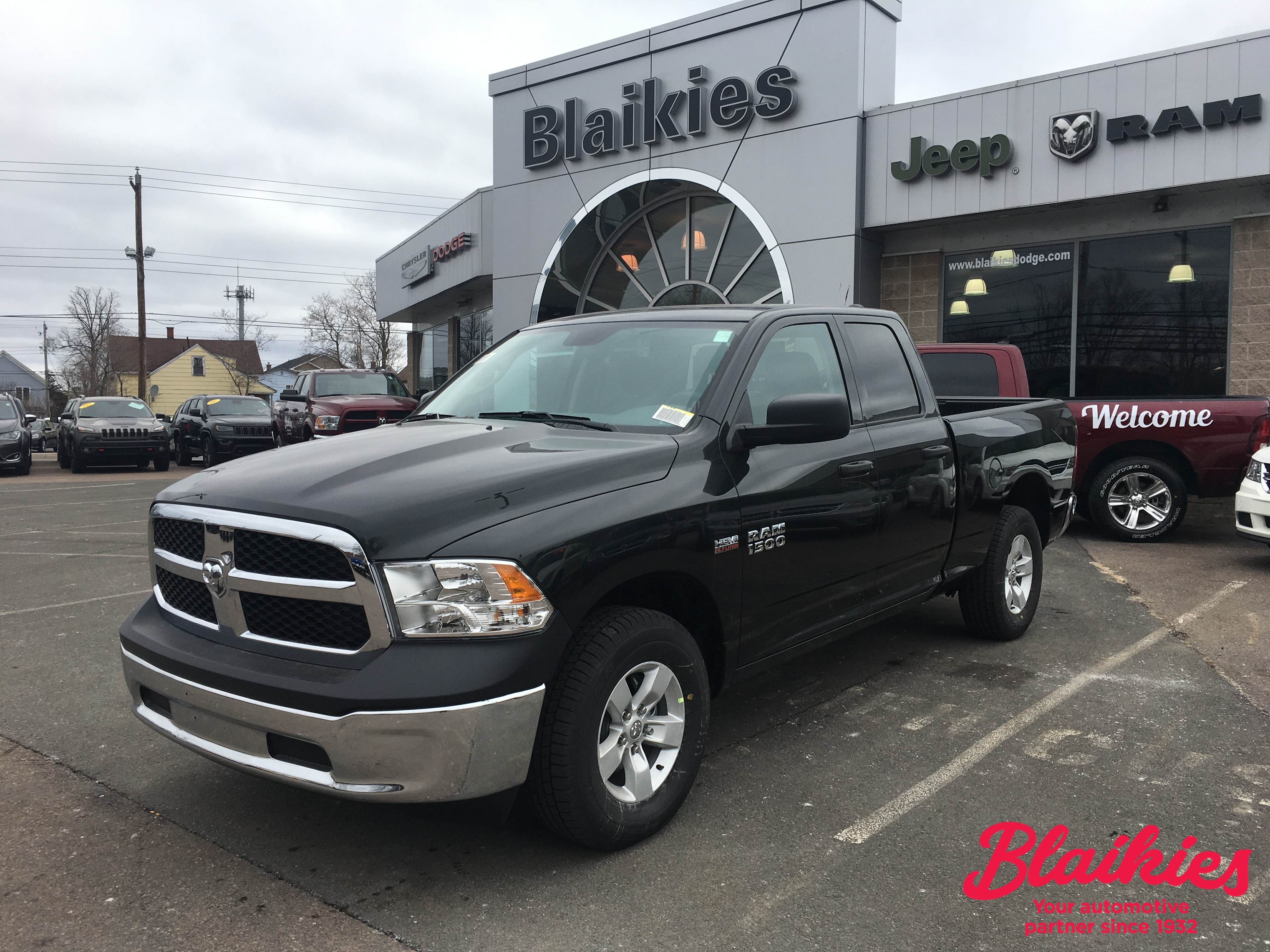 2018 Ram 1500 SXT | $29,900 + FREIGHT + ACCESSORIES + FEES | Truck Quad Cab