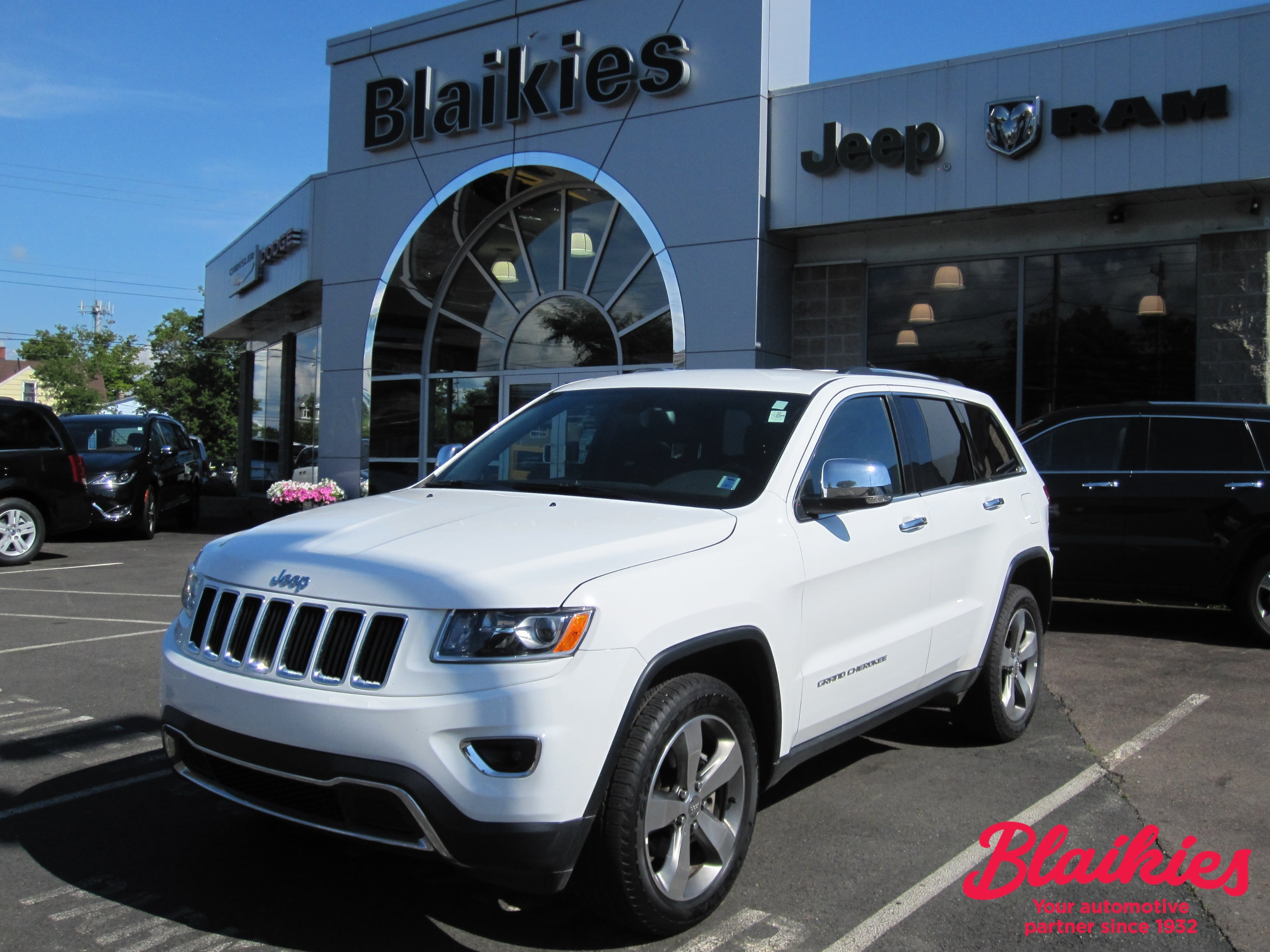 2015 Jeep Grand Cherokee Limited | 4x4 | BACK UP CAM | HEATED SEATS | NAV | SUV
