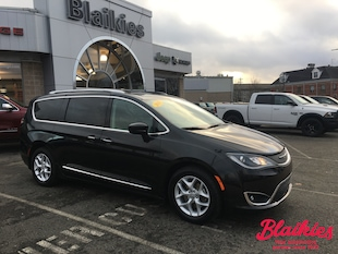 2018 Chrysler Pacifica Touring-L | SUNROOF | HEATED SEATS | BLU-RAY | Van