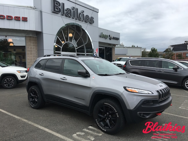 2015 Jeep Cherokee Trailhawk   HEATED SEATS   BACK UP CAM   SUV