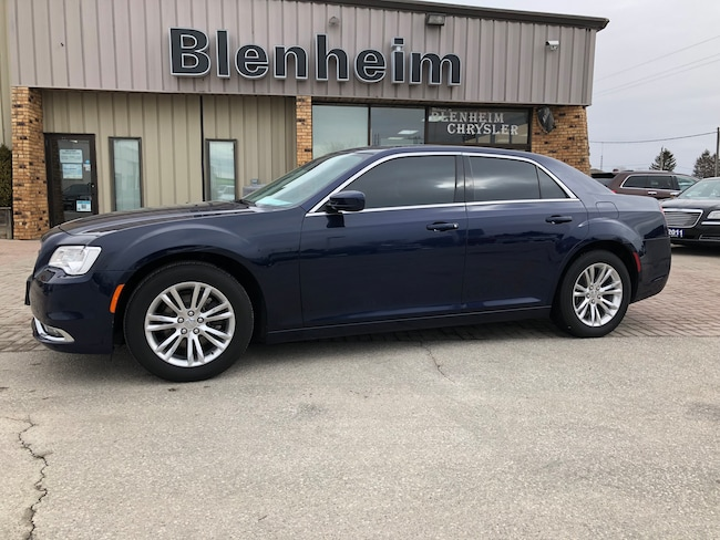 2017 Chrysler 300 Touring Sedan