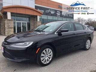 2016 Chrysler 200 LX - Keyless Entry , Cruise Sedan
