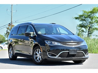 2017 Chrysler Pacifica Touring L + * GR. Tech * Hitch 3600 LBS* Toit Pano
