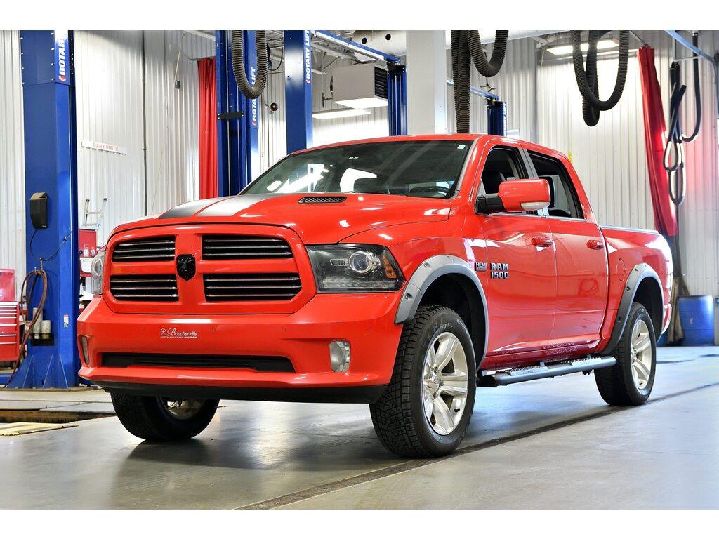 2016 Ram 1500 Sport * V8 * 3.92 * Crew * Toit * GPS * Camion cabine Crew