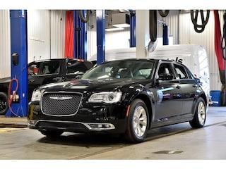 2018 Chrysler 300 Touring * Cuir * NAV * Camera * Toit Pano Berline