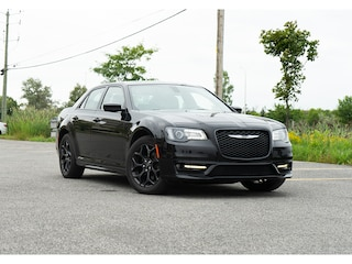 2019 Chrysler 300 * 300S * AWD * Cuir * NAV * Toit Pano * Demarreur Berline
