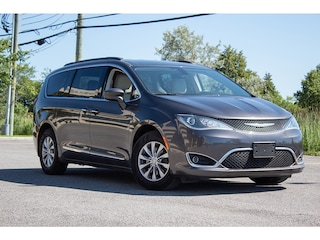 2017 Chrysler Pacifica Touring L * NAV * Cuir * Camera * Angle Mort