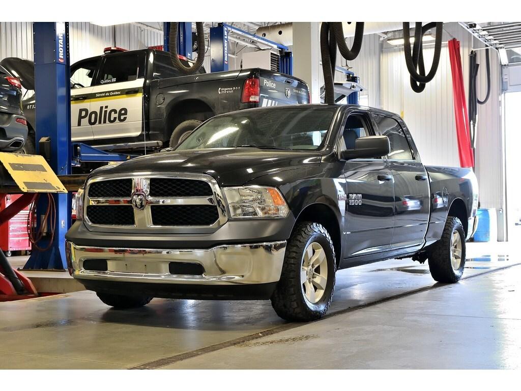 2017 Ram 1500 * SXT * Crew CAB * V8 * 6P4 * Hitch * 3.92 * Camion cabine Crew