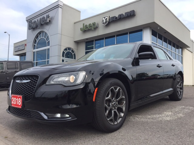 2018 Chrysler 300 S | Leather | Navigation | Sunroof and more.... Berline